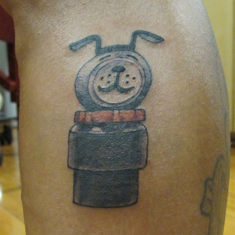 Semi-realitisc toy tattoo